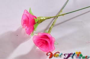 Làm cành hoa hồng từ vải voan (bước 5)