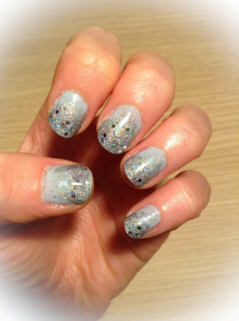 Nail-Art-glitter-manicure