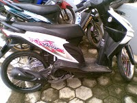Modifikasi Honda Beat Merah Ring 17