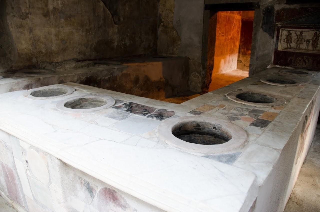 Pompeii baking