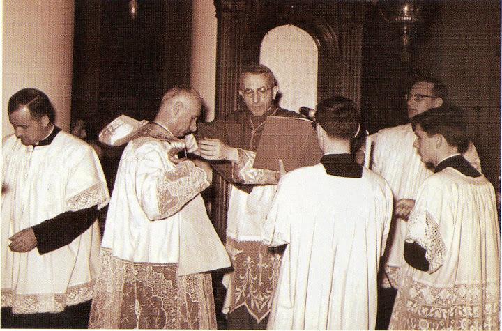 3 settembre 1961 Arrivo del nuovo parroco Mons. Dal Bo in Duomo con il vescovo Mistrorigo