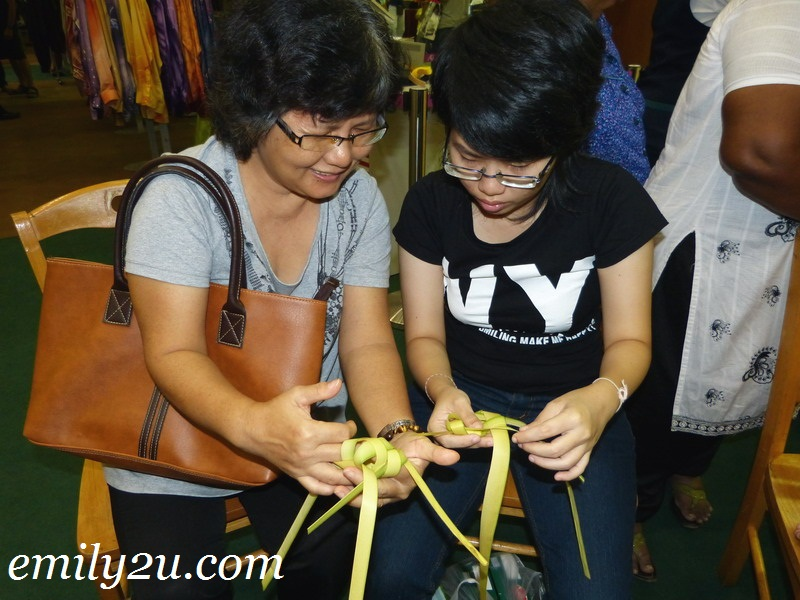 learn to make ketupat