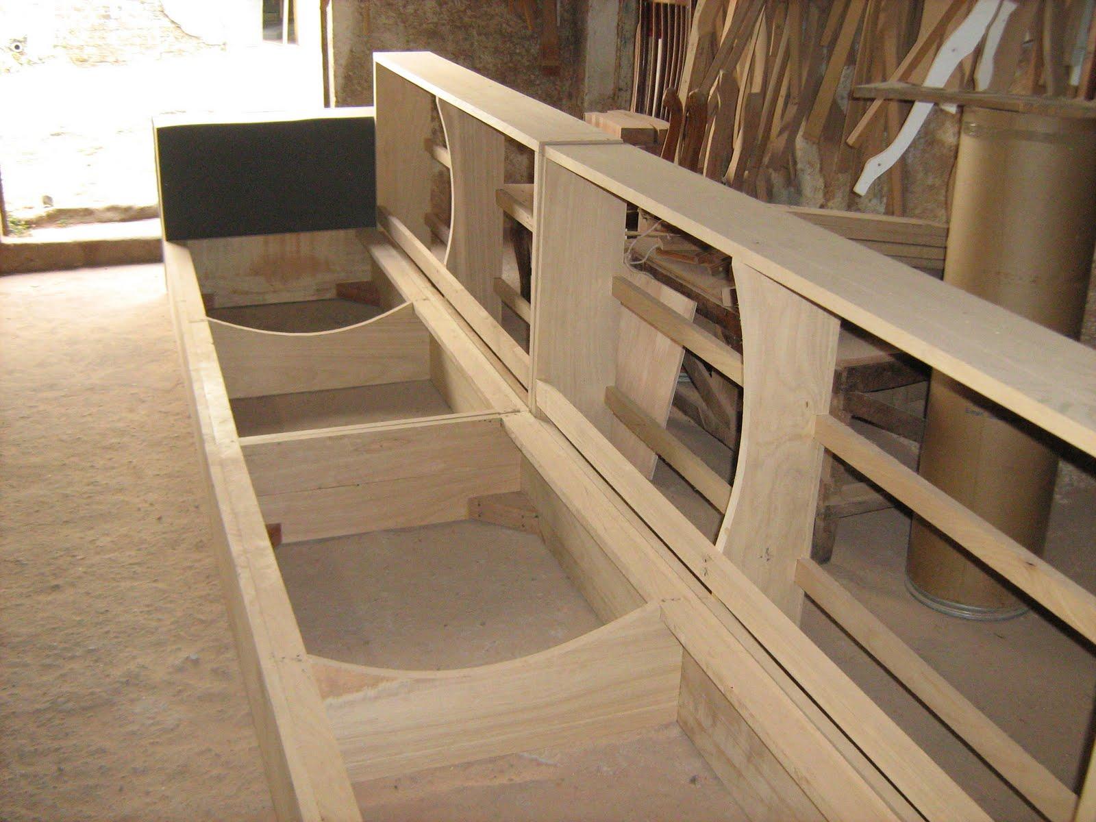 i9 nove Estofados: A estrutura apropriada para o sofá #9C752F 1600x1200