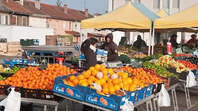 Obst- und Gemüsestände