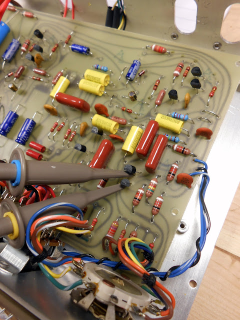bose 901 series i early production active equalizer 11949 after extensive troubleshooting the oscilloscope multimeter and schematics checking each trace i discovered a cracked er joint on one of the