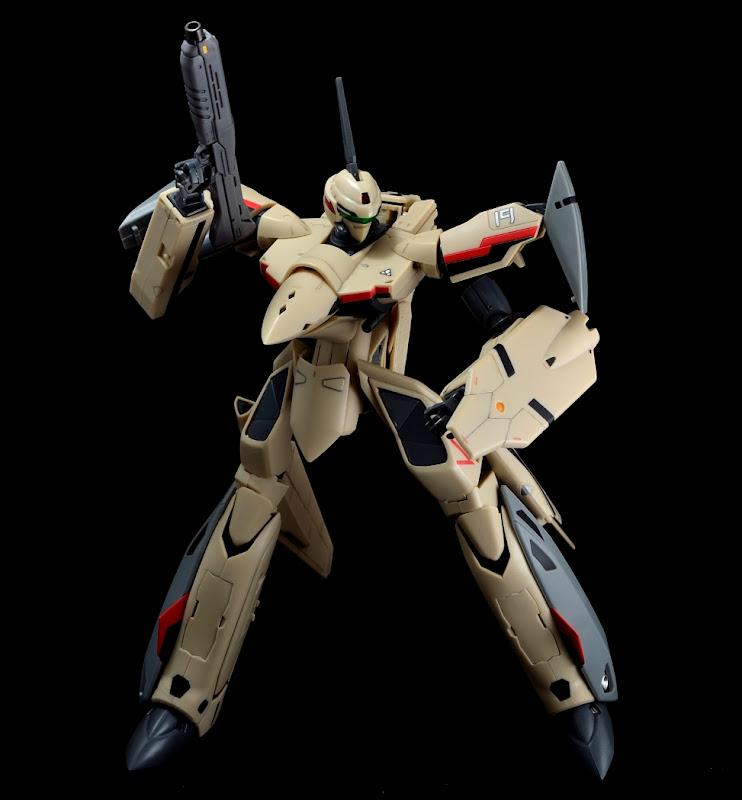YF-19_battroid_01.JPG