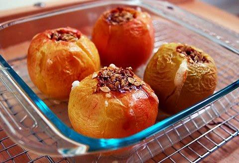 Праздничное блюдо из яблок