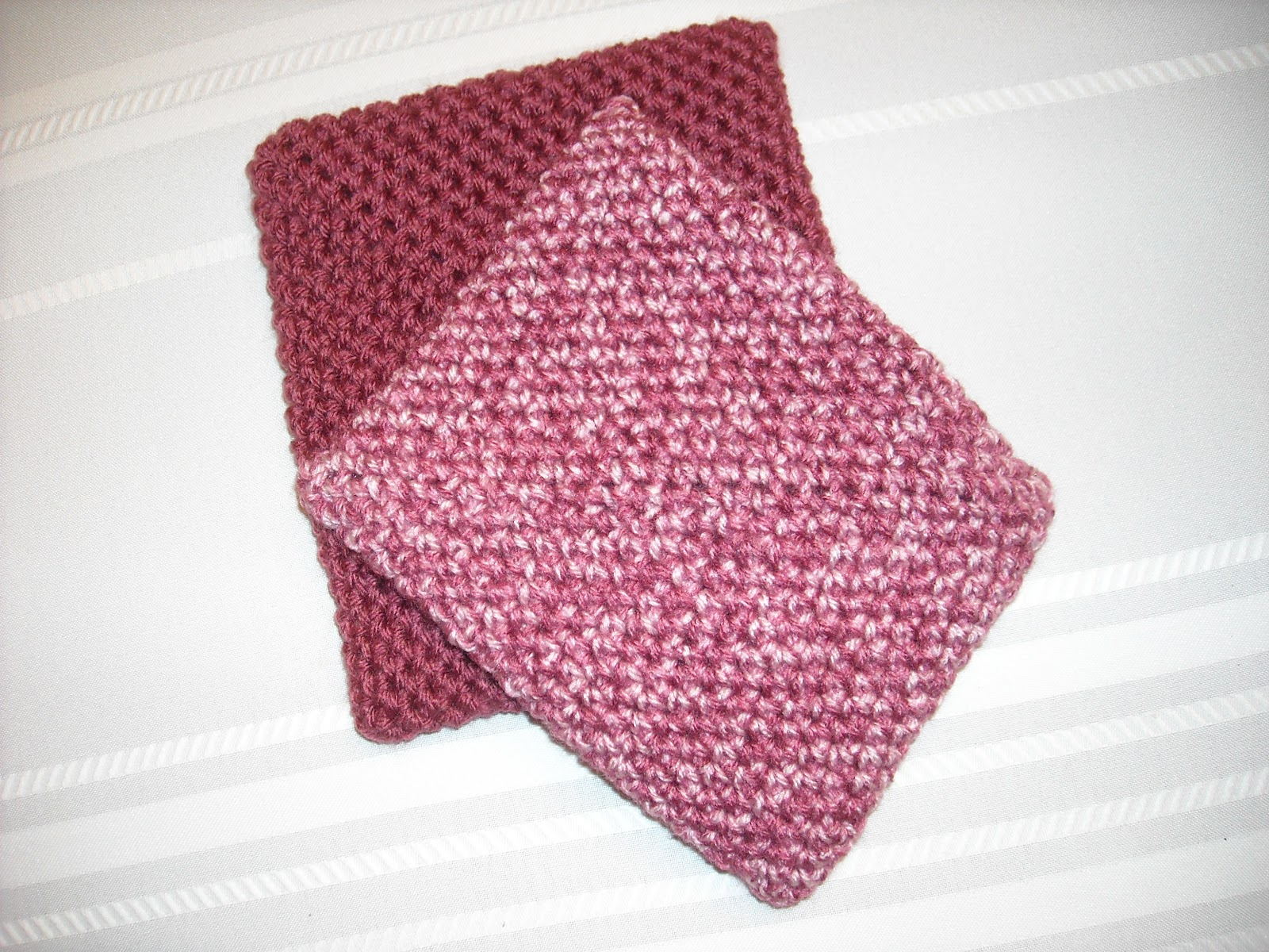 Crocheting Hotpads : MATERIALS: Yarn color of your choice.