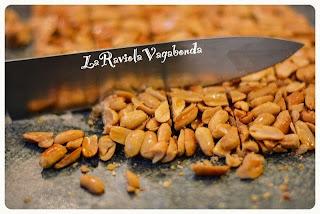 croccante di arachidi (ovvero una golosa idea riciclo)