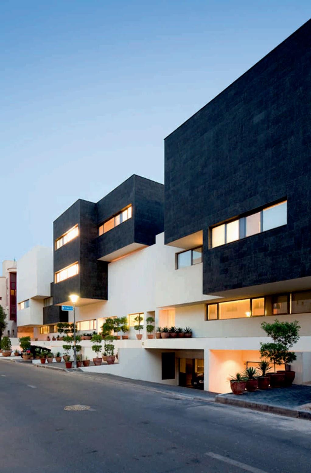 Al Yarmuk Kuwait Black White House By Agi Architects Unusual Architecture