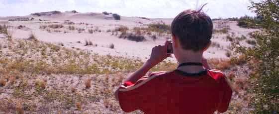 Martin Bullinger vor Sanddünen auf dem russischen Teil der Kurischen Nehrung