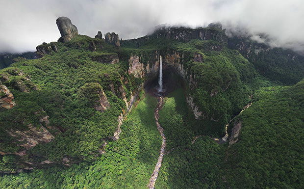 waterfall3 mini Sensational 360 Degree Aerial Panoramas Of Angel Falls [PHOTOS]
