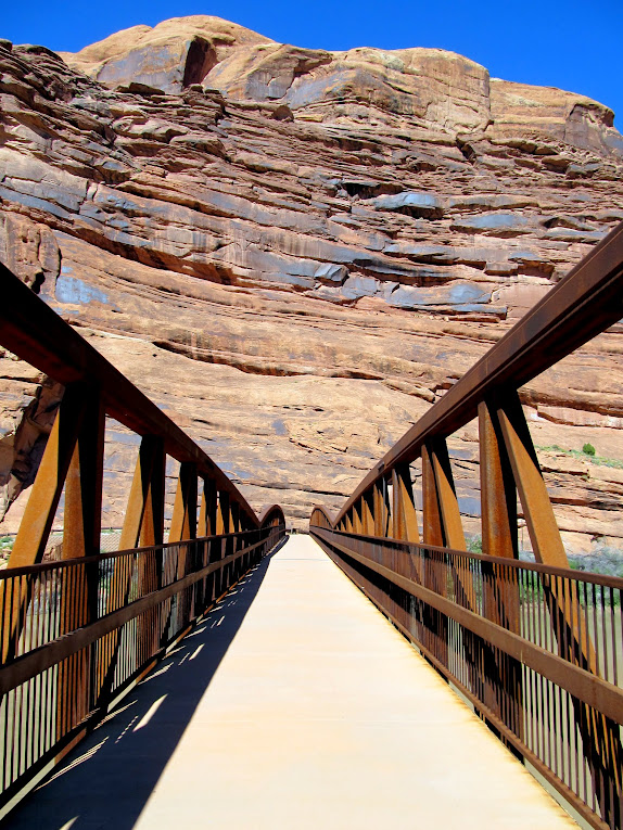 Pedestrian bridge over the Colorado River