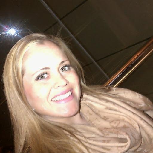 Jennifer Hill Photo 22