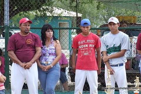 Familia González Chávez en la inauguración del torneo Francisco Javier González Flores
