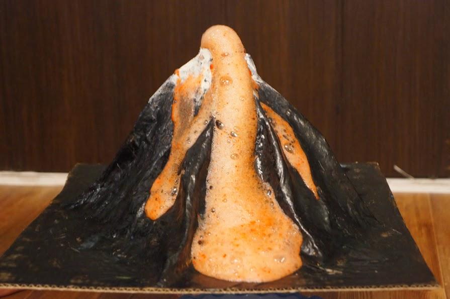 kartinki-vulkan-iz-spermi-kruglaya-popa-obtyazhku