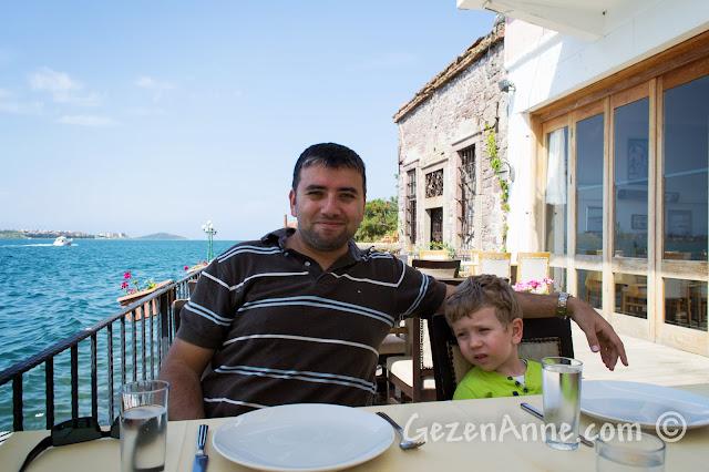 Ayvalık Deniz Kestanesi restoranında