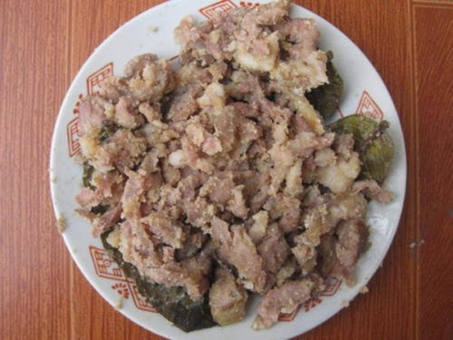 20120813AFdoisong%2B%284%29 c6900 001 Độc đáo hương vị thịt chua người Dao