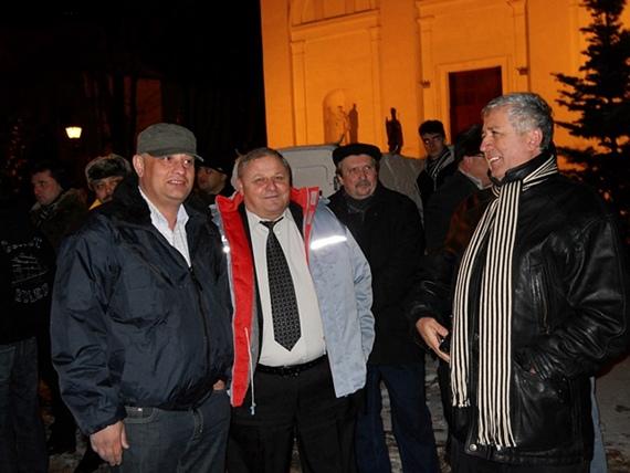 Ştefan Alexandru Băişanu, Brânduşel Nichitean şi Constantin Harasim la mitingul pro-SMURD