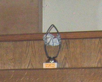 Deze prachtige trofee is de inzet van het tornooi.