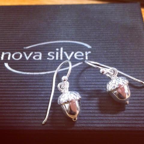 silver-acorn-earrings