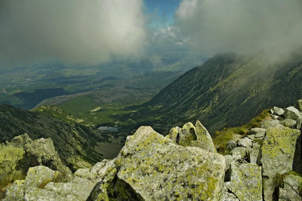 Widok ze Skrajnego Granata na Dolinę Pańszczycy