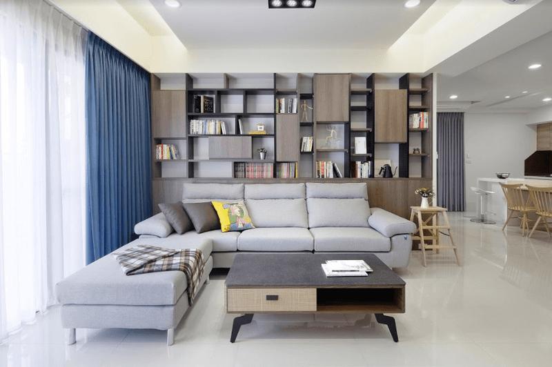 開放式空間設計將客廳與餐廳連成一氣增加開闊感