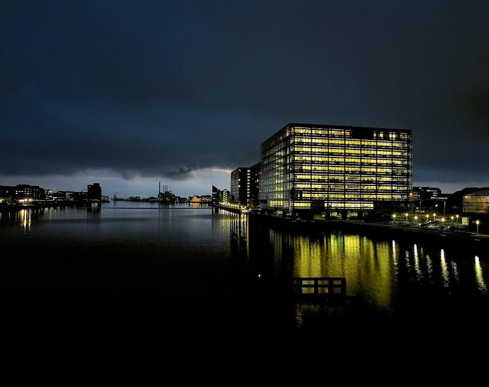 *Nykredit Headquarters:玻璃帷幕的設計猶如一棟水晶大樓! 1