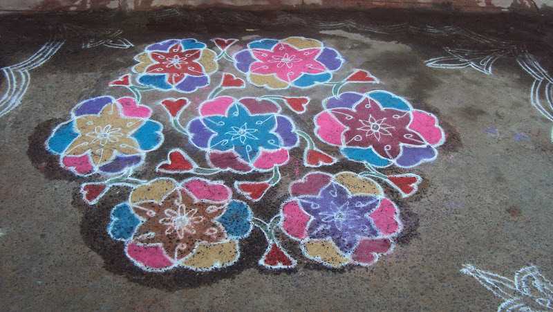 Beautiful Pongal kolam design made with dots