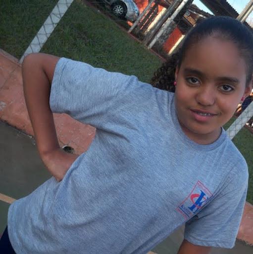 Emily Gomes