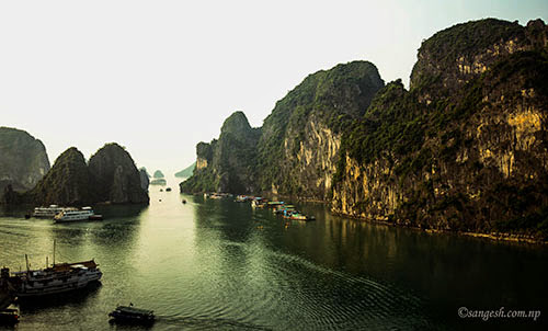 Picturesque scene at Ha Long Bay