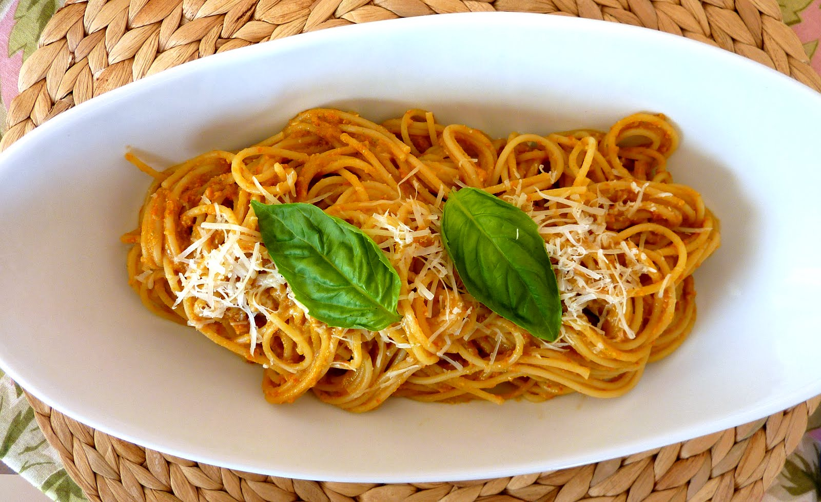 ... Bread a Day: Pasta with Tomato and Almond Pesto (Pesto alla Trapanese