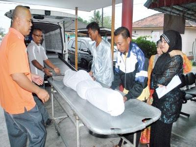 Remaja maut motosikal bertembung dengan kereta