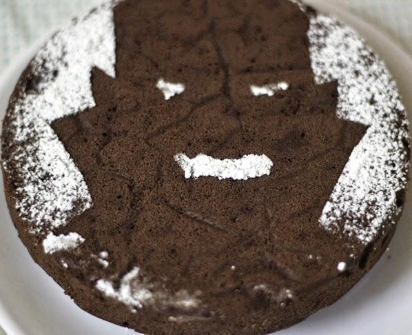 Vampire Stencil Cake Tutorial | Fun Halloween Treats