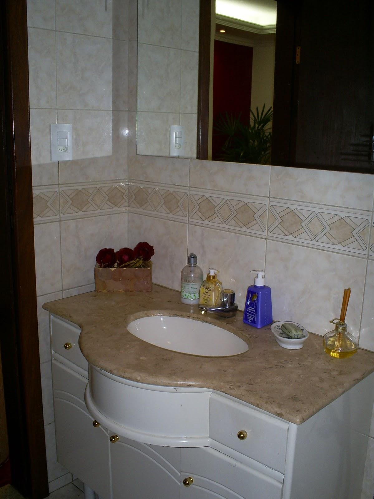 LAR EM CONSTRUÇÃO: Banheiro o que fazer? #333173 1200x1600 Banheiro Antigo