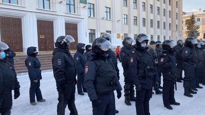 В ХМАО за участие в несанкционированных акциях 23 января оштрафовали 6 человек