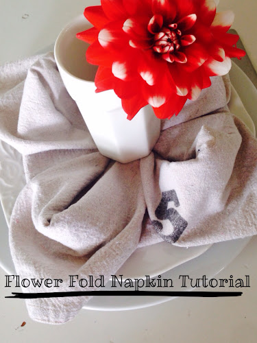 Flower fold napkin tutorial, the style sisters