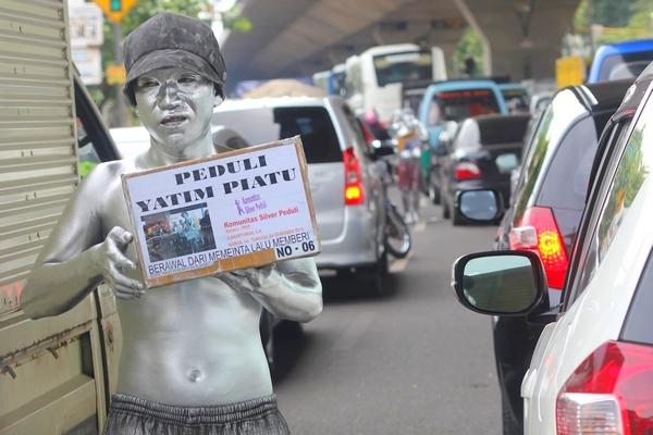 Komunitas Silver Peduli Anak Yatim di Bandung
