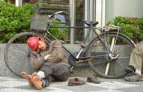 Gaya Tidur Unik Masyarakat Tiongkok