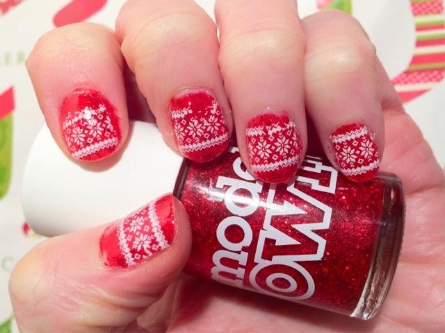 christmas-jumper-nails