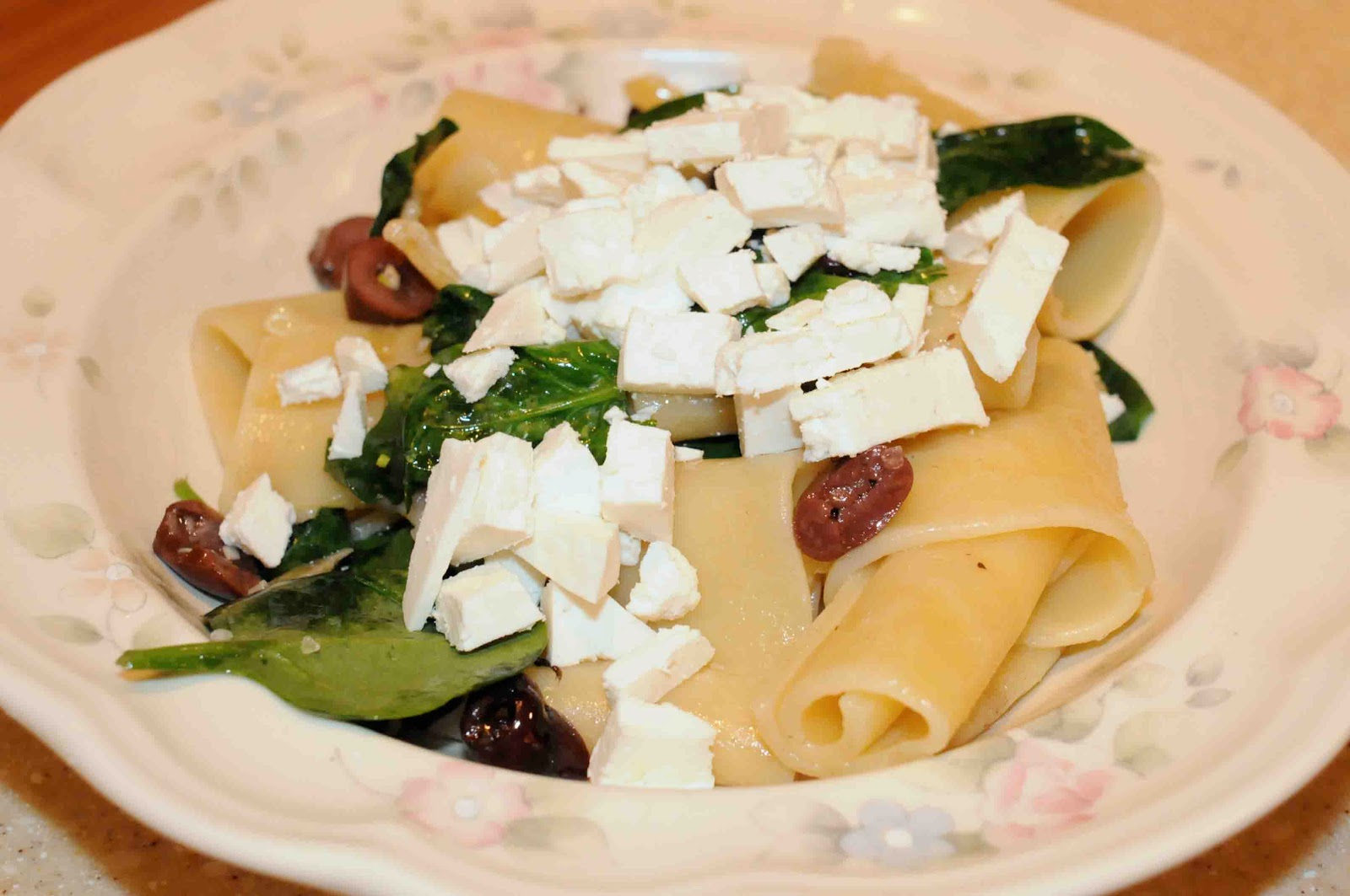 ... Stuff a Chicken: Recipe: Pasta with Spinach, Olives and Ricotta Salata
