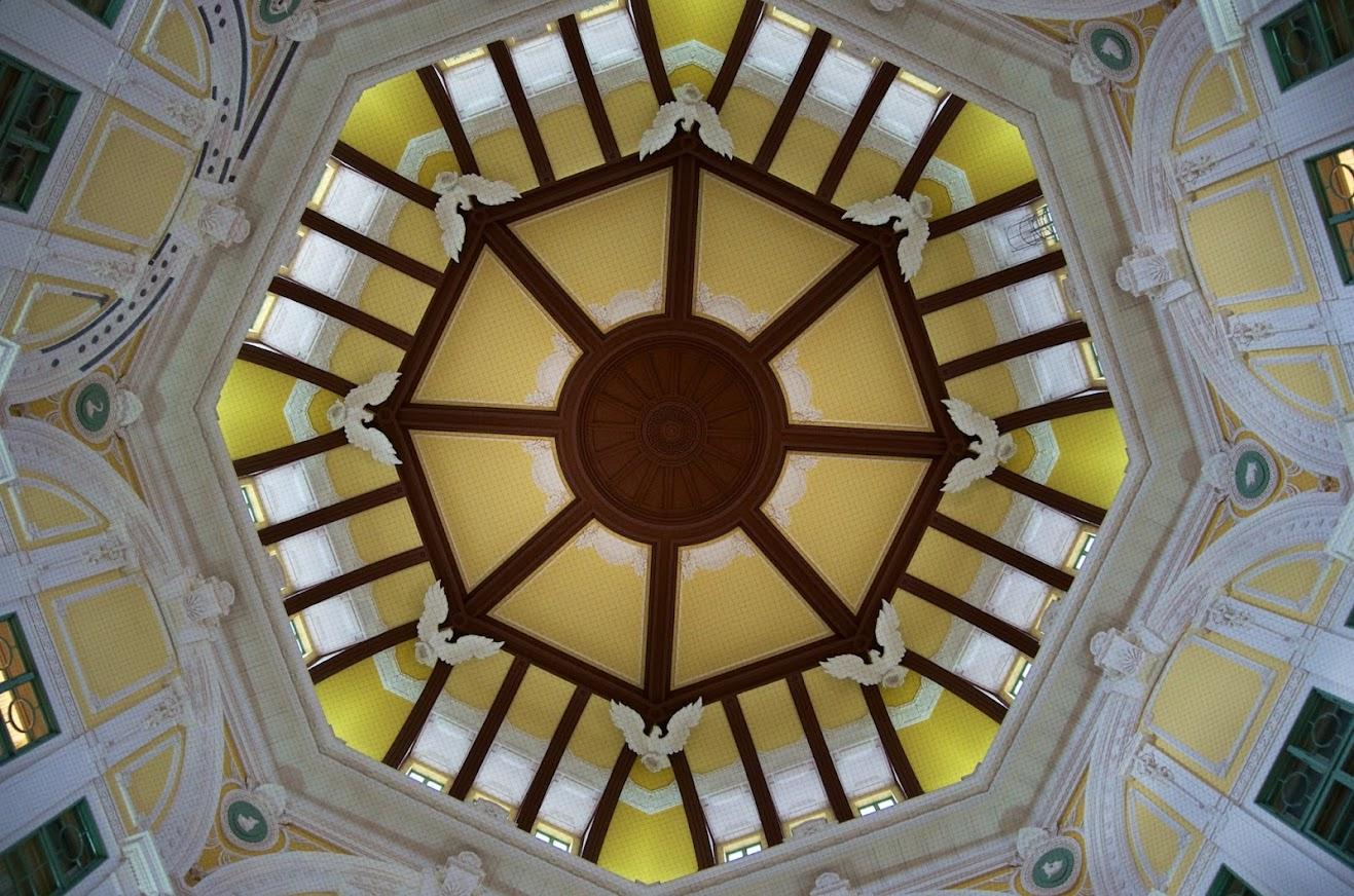 東京駅・丸の内南口のドーム型天井