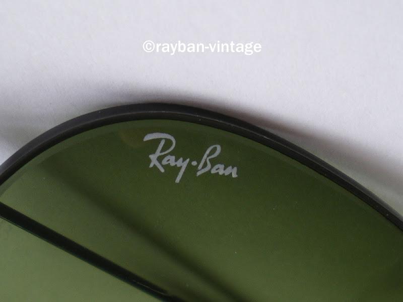 logo Ray-Ban sur verre d`une black aviator 58mm