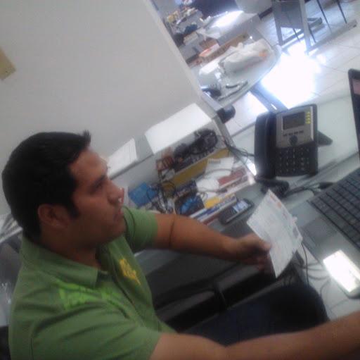 Alfredo Moreno Photo 32