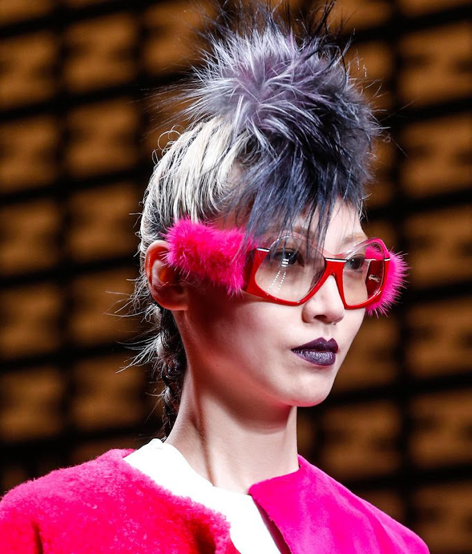 https://lh6.googleusercontent.com/-u9Agm6HO1Y0/UUxw9MnhAiI/AAAAAAAAJOI/3LThxszKUFs/s800/Fendi_glasses_fall_winter_2013.JPG