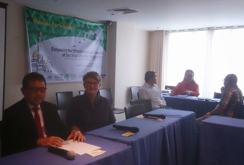 Hasbi Hasan (Direktur Pembinaan Administrasi Badilag MA RI)  Berbicara dalam Forum Internasional | (29/1/2015)