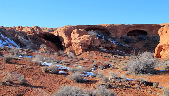 Three alcoves in Middle Canyon