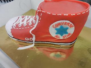 Converse All Star Torte, Kundenwunsch, Squindo Bäckerei AG Moosleerau