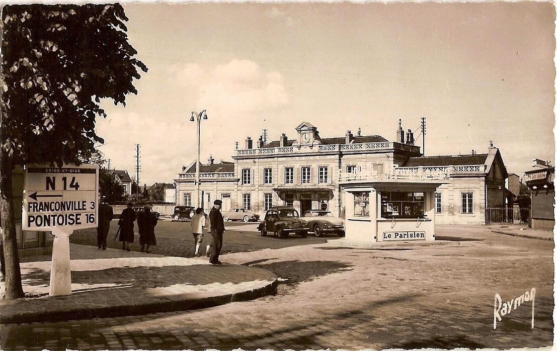 3 la gare vue de la place sannois carte postale ancienne cpa. Black Bedroom Furniture Sets. Home Design Ideas