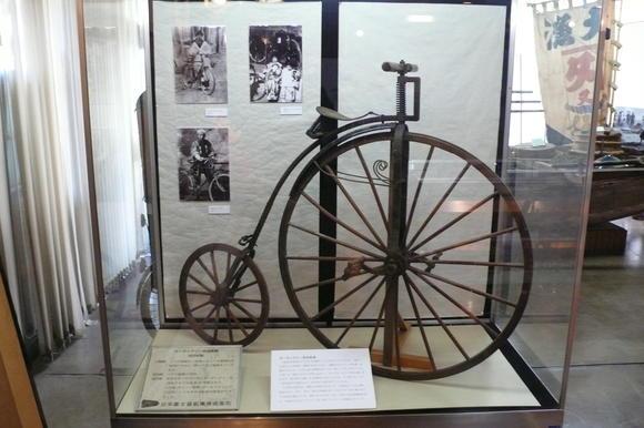 わだち: ダルマ自転車展示